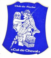 AUTOOOLLANT  STICKER   CUL DE CHEVAL  CLUB DE PECHE - Aufkleber
