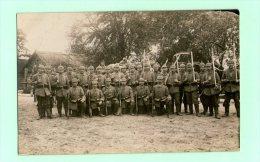 CARTE PHOTO SOLDATS MILITAIRES CASQUE A POINTE L.X - Regimenten
