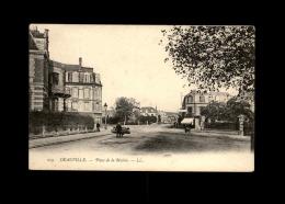 14 - DEAUVILLE - Brouette Tapissier - Deauville