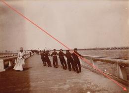 Photo Ancienne Mer Belge Tirant Un Bateau Hors Du Port à Ostende - Blankenberghe - Photos