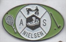 Golf , Tennis , Karaté , AS Nielsen - Golf