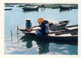 CP, CUOC SONG DOI THUONG, Catching Head Louse, Traquant Des Poux, Voyagé - Viêt-Nam