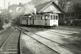 PHOTOGRAPHIE  TRAMWAYS A LA GARE DE BOUILLON EN 1955 LIGNE PALISEUL BOUILLON - Autres