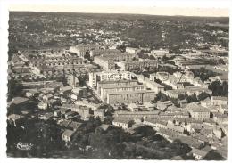 Nïmes (30) :Vue Aérienne Générale Au Niveau Du Quartier Des Casernes En 1950  GF. - Nîmes