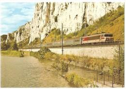 """Dépt 26 - DONZÈRE - Le TEE 11 """"Mistral"""" Dans Le Défilé De Donzère Remorqué Par Une Locomotive CC 6500 (07/1977) - Train - Donzere"""