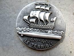 INSIGNE MARINE NATIONALE SOUS MARIN SNLE LE TERRIBLE (COIN) ETAT EXCELLENT
