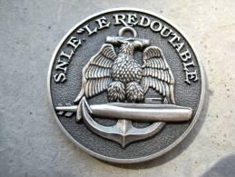 INSIGNE MARINE NATIONALE SOUS MARIN SNLE LE REDOUTABLE (COIN) ETAT EXCELLENT