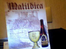 PUBBLICITA  BIRRA MATILDICA REGGIO EMILIA MATILDE CANOSSA SFONDO IL CASTELLO 2010 EH2179 - Alcolici