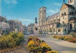 CPM - 21 -  CÔTE D'OR -  AUXONNE - PLACE DE L'EGLISE - Auxonne