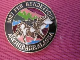 Insigna - Collector Button - Huski - Badge  , Médaille, Insigne Métal émaillé Fur Rendezvous ANCHORAGE ALASKA 1987 - Obj. 'Remember Of'