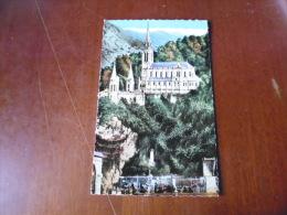 CARTE POSTALE  LOURDES LA BASILIQUE ET LA GROTTE - Lourdes