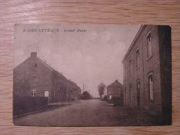 WARET L´ EVEQUE Grand Route ( Héron ) Animée Personnage Sur Le Pas De La Porte Waret L´evêque CPA Post Card Postkaart - Héron