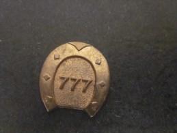 Badge Médaille Fer à Cheval Porte-bonheur 777 Jeton Token Muestra Gettone Publicitaire - Otros