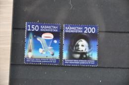 M 14 ++ KAZACHSTAN 2013 BIRD VOGEL OISEAUX  SPACE ASTRONAUT MNH ** - Kazachstan