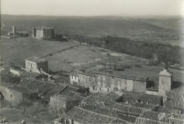 310F   83 Aiguines Vue Generale Et Le Chateau En TBE - Hyeres