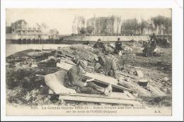 CPA Militaria : Soldats Français Dans Leurs Tranchées Sur Les Bords De L'ysère ( BELGIQUE ) - Guerra 1914-18