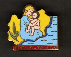 30717-Pin's. Frejus.Toulon.maman.bébà ©.signé Arthus Bertrand Paris. - Arthus Bertrand