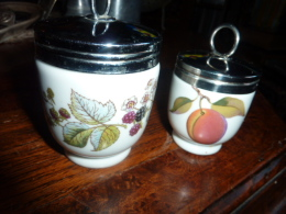 2 Recipient A Oeuf Faience Anglaise - Royal Worcester