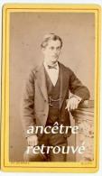 CDV Identifiée Vers 1870--Emile Lacaille, Jeune Homme élégant-photo Très Bel état De Schahl à Dijon - Anciennes (Av. 1900)