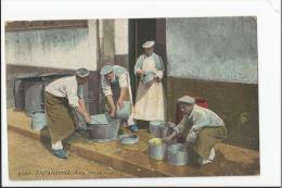 CPA Militaria : Infanterie - Les Cuisiniers - Guerre 1914-18