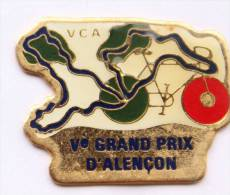 Pin's  VCA - Vélo Club Alençon - V° GRAND PRIX D'ALENCON - Vélo - Circuit - C1007 - Wielrennen