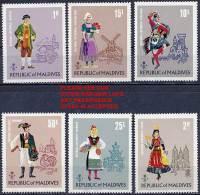 MALDIVE ISL 1973 COSTUMES SC# 383-88 VF MNH CV$12.70 ARCHITECTURE CHICKEN (D0134) - Costumes
