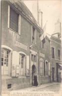 DECIZE - La Mairie - Ce Bâtiment Sert à Cet Objet Depuis 1777 - La Commune L'a Payé à Cette époque 18000 Livres - Decize