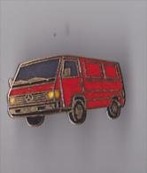 PIN´S THEME AUTOMOBILE  MERCEDES  FOURGON UTILITAIRE - Mercedes
