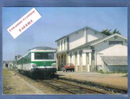 Carte Postale 29. Saint-Pol-de-Leon  La Gare  Train Autorail X4595 Ligne  Roscoff Morlaix Trés Beau Plan - Saint-Pol-de-Léon