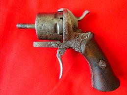 Revolver à Broche Broches Calibre 7 Mm Type Lefaucheux Incomplet En épave Pour Pièces Détachées - Sammlerwaffen