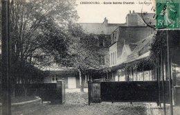 50 MANCHE  -  CHERBOURG Ecole Sainte-Chantal , Les Cours (pas Sur Delcampe) - Cherbourg