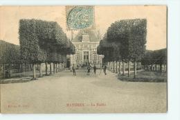 Le Neubourg : La Mairie  2 Scans. Edition Baron - Le Neubourg