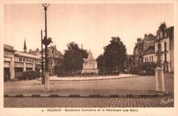 59 ROUBAIX BOULEVARD GAMBETTA ET LE MONUMENT AUX MORTS PAS CIRCULEE - War Memorials