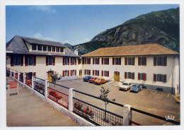 Près Lourdes--ASPIN EN LAVEDAN--Domaine De La MGET--Maison De Vacances (belles Voitures Dont Citroen 2CV),cpm éd Doucet - Other Municipalities