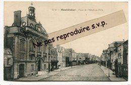 - 3 - Montdidier - Place De L´Hôtel De Ville, Cliché Peu Courant, Non écrite, Coins Impeccables, TBE, Scans. - Montdidier