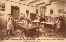 Ecole Primaire Supérieur De Jeunes Filles De Carpentras - Salle De Coupe, Couture, Repassage Et L'enseignement Ménager - Carpentras