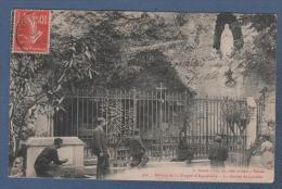 73 SAVOIE - CP ANIMEE ABBAYE DE LA TRAPPE D' AIGUEBELLE - LA GROTTE DE LOURDES - L REVOUL AUX DIX MILLE ARTICLES VALREAS - Aiguebelle