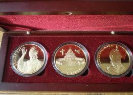 France Coffret Pape Jean Paul II Benoit XVI Cite Vatican Couleur Or Paypal Skrill Bitcoin OK! - France