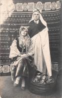 ��  -   Carte Photo nonSitu�e  -  Couple posant dans une Tente au Magreb  -  Service � Th� -  Juda�ca ??? -  ��