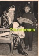 ANCIENNE PHOTO GARCON ENFANT PERE NOEL  ** VINTAGE PHOTO BOY SANTA CLAUS  ** KERSTMAN - Personnes Anonymes