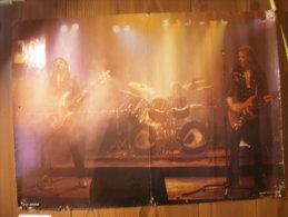 MUSIQUE - MOTÖRHEAD - POSTER - MOTORHEAD - ON STAGE - LEMMY / PHILTY ANIMAL TAYLOR / EDDIE CLARKE - 84x60cm - Plakate & Poster