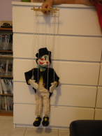 Ancienne Marionnette, Pantin Clown Peintre Sur Porcelaine Ht Clown 0,70cm / Ht Avec Ficelle 1mètre - Puppets