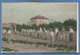 78 - MONTESSON --  Ecole Départemente Théophile ROUSSEL --  Elève Jardiniers Aux Potager - Montesson