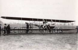 AVIATION PHOTO.14X9 CMS. CONCOURS MILITAIRE L ASTRA WRIGHT EN OCTOBRE 1911 AVEC PILOTE   .SAFARA .TEXTE AU DOS - ....-1914: Voorlopers