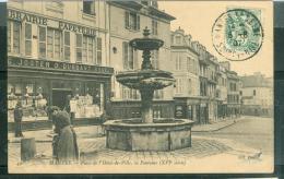 Mantes La Jolie - Place De L'hotel De Ville , La Fontaine ( XVI è Siècle )    - Abr 135 - Mantes La Jolie
