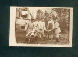 Carte Photo - Hanau - Militaria - Corvée De Lessive à La Caserne  ( Armée Allemande Période Guerre 1914-1918 ) - Hanau