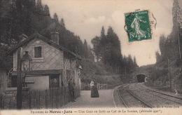 Environ De Morez-Jura, Une Gare En Forêt Au Col De La Savine , Scène Animée - Morez