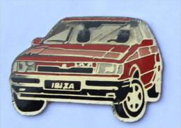 Pin's SEAT IBIZA SXI De Couleur Rouge  - C1078 - Pin