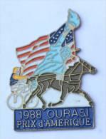 Pin's TIERCE - 1988 Grand Pris D'Amérique - Vainqueur OURASI - Cheval - Sulky - Statue De La Liberté - C1083 - Games