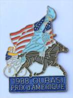 Pin's TIERCE - 1988 Grand Pris D'Amérique - Vainqueur OURASI - Cheval - Sulky - Statue De La Liberté - C1084 - Games